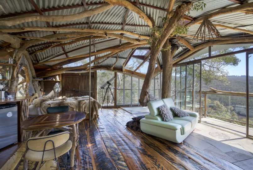 A secret treehouse in the Blue Mountains, Australia